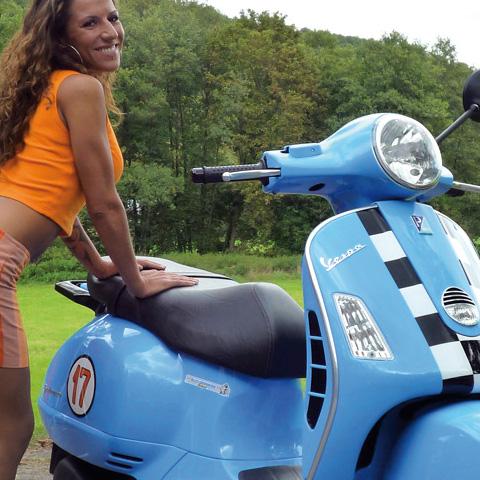 Vespa Design Roller & MotorradBox Stuttgart